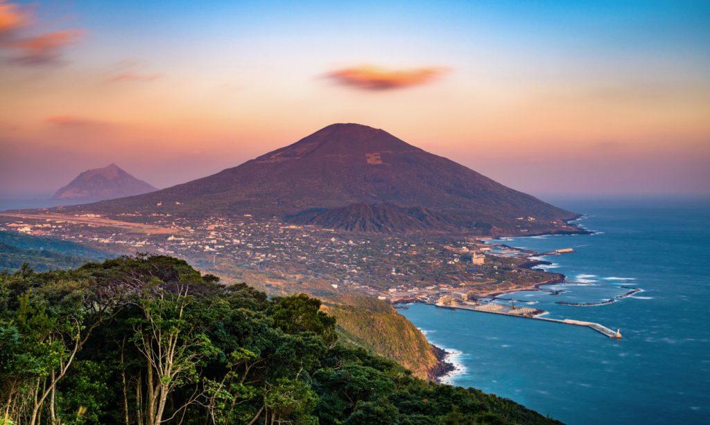 東京から八丈島へ家族旅行!運賃や宿泊費はどのくらい?おすすめプランは?