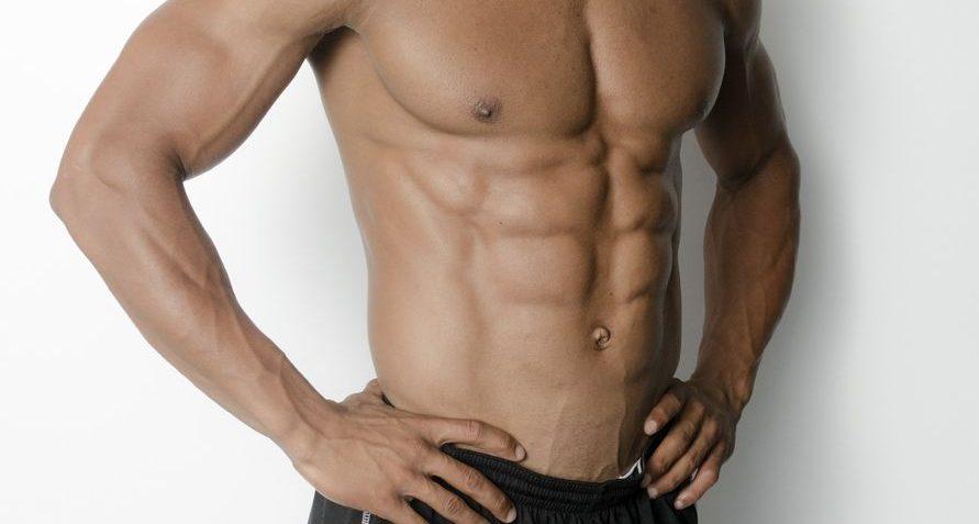 腹筋運動で腹筋を鍛えれば歌は上手くなる?効果的な歌上達のトレーニング法をご紹介!