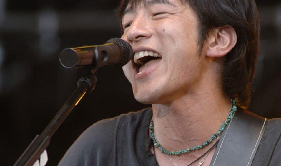 ミスチルの桜井和寿の歌い方は上手い?下手?真似するには?私なりに解説します。